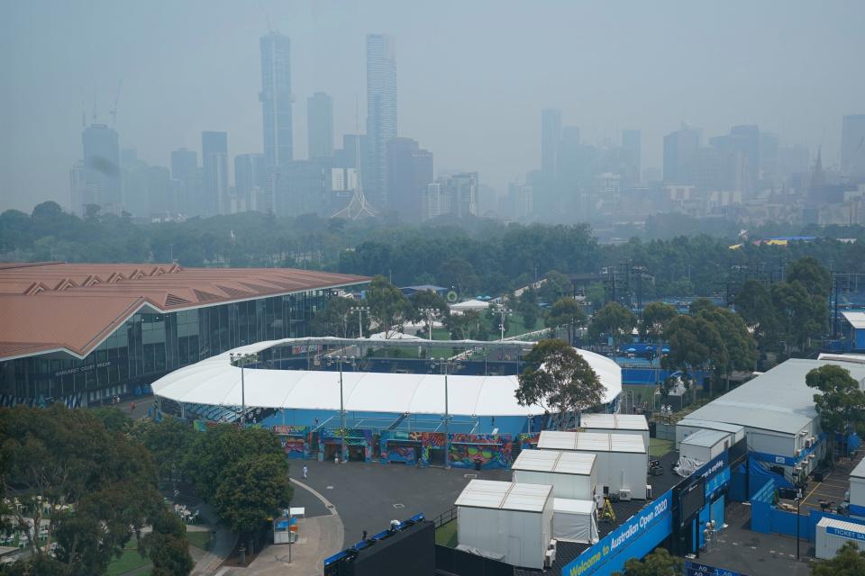 , Dalila Jakupovic abandona la clasificación para el Abierto de Australia después de colapsar en un ataque de tos en la cancha debido a la falta de aire del incendio forestal, Noticia Sport, Noticia Sport