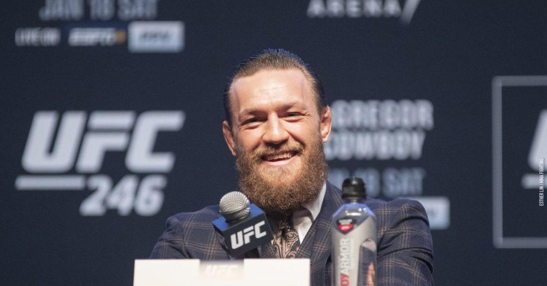 Foto de conferencia de prensa de UFC 246