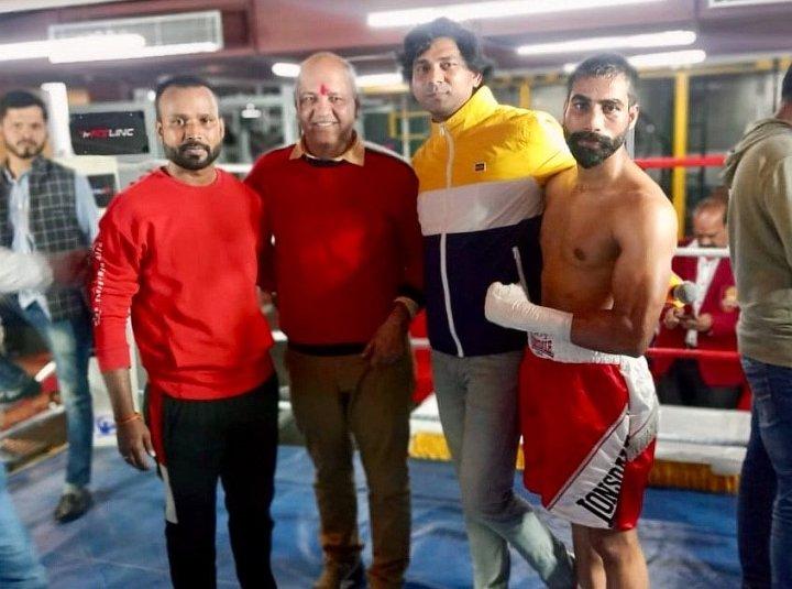 , Resultados de India: Sachin, Dharmender, Kuldeep Score gana en Nueva Delhi, Noticia Sport, Noticia Sport