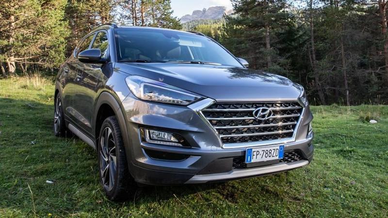 Hyundai Tucson híbrido, bajo consumo de combustible y motor brillante - La Gazzetta dello Sport