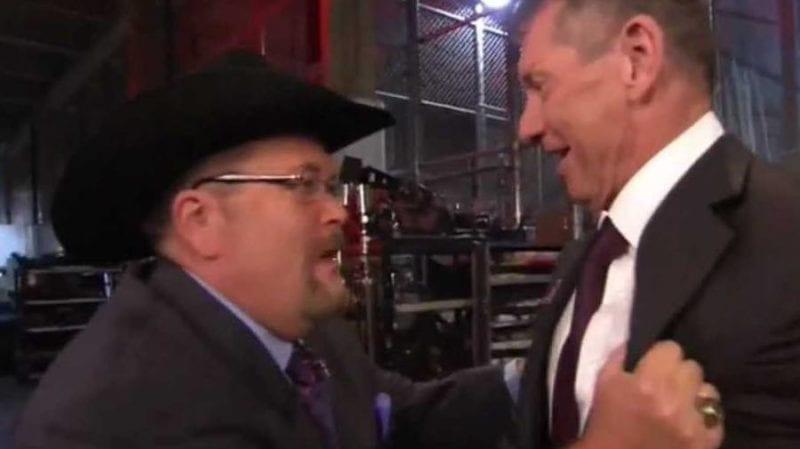 Jim Ross compartió la loca historia del viaje sobre Vince McMahon pasando por la estación de servicio y conduciendo por Cone Road