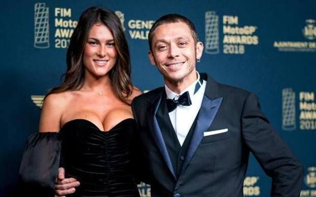 Valentino Rossi con la fidanzata Francesca Sofia Novello. Instagram