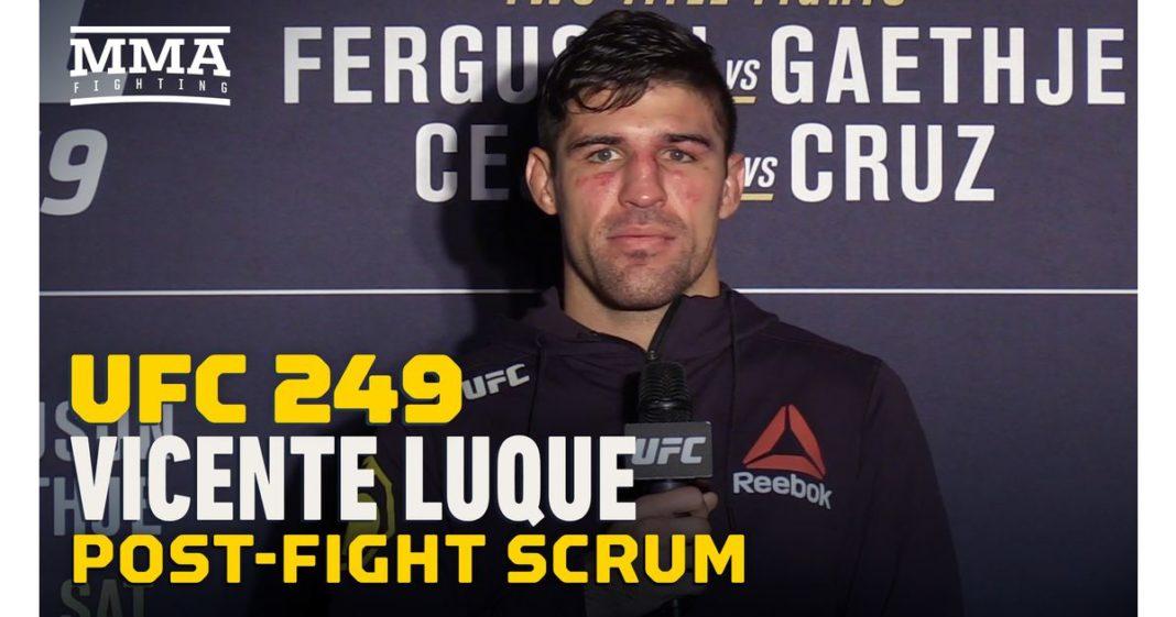 Video: Vicente Luque explicó cómo se escucharon los comentarios de Joe Rogan durante la violenta victoria de TKO.