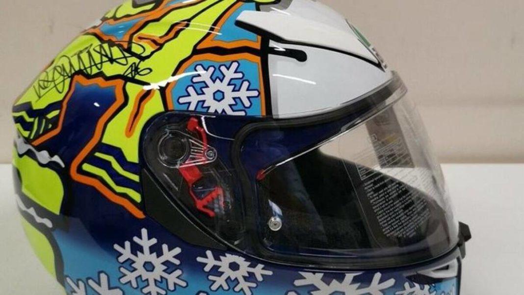 Subasta de recuerdos deportivos en Pesaro: el casco firmado por Valentino Rossi se vendió por más de 2 mil euros