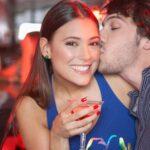 Amigos, colegas, extraños sexys: cómo salir de los celos