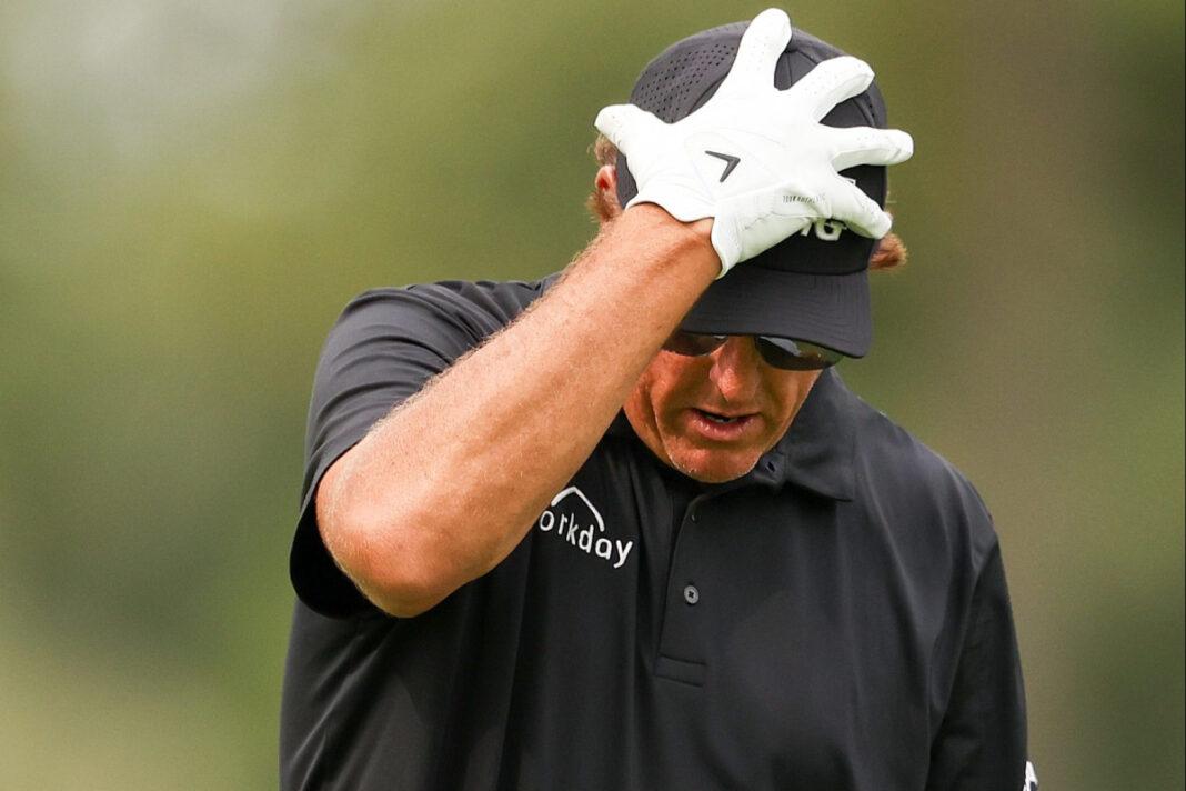 El apostador pierde miles en una apuesta escandalosa cuando Phil Mickelson se estrella en el US Open