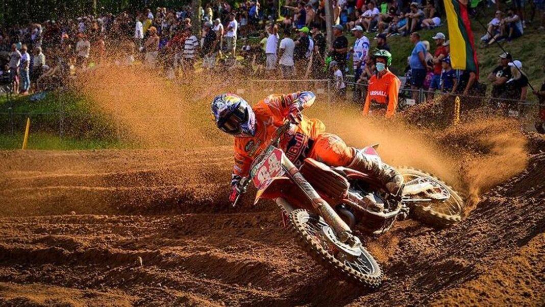 MXGP Faenza, carrera 1 en Herlings, Cairoli termina tercero