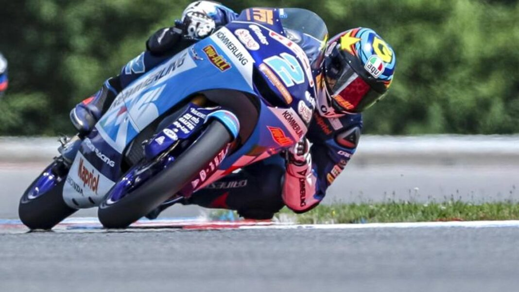 Moto3, locura de Masia: corre sin carenado e inunda la pista de aceite.  Pole Rodrigo.  Mot2, ok Canet