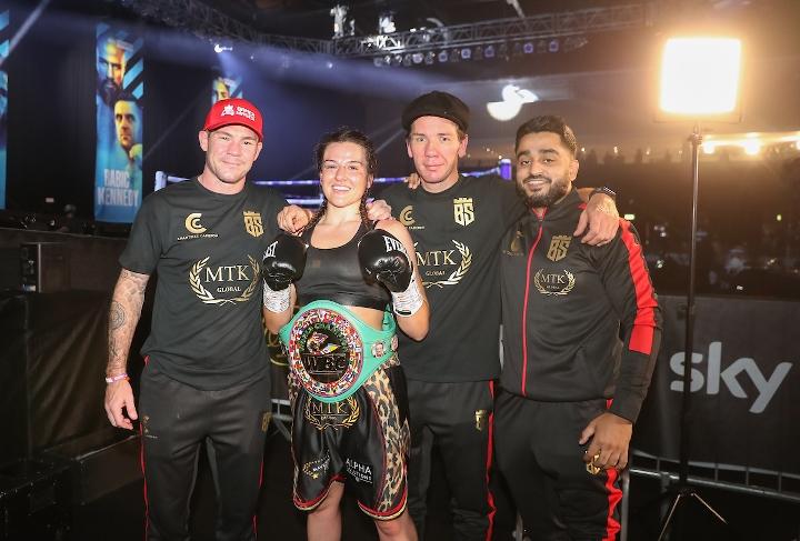 , Fotos: Chantelle Cameron gana el título del CMB, domina a Araujo, Noticia Sport