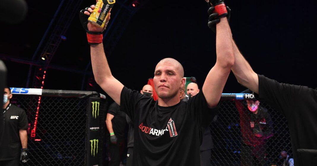 Brian Ortega revela cómo los encuentros pasados con Alexander Volkanovski le hicieron respetar tanto al campeón de UFC