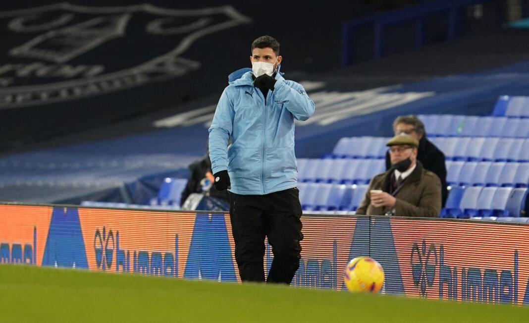 El defensa de Monterrey utiliza Twitter para reclutar a Sergio Agüero del Manchester City, cuyo contrato vence en junio