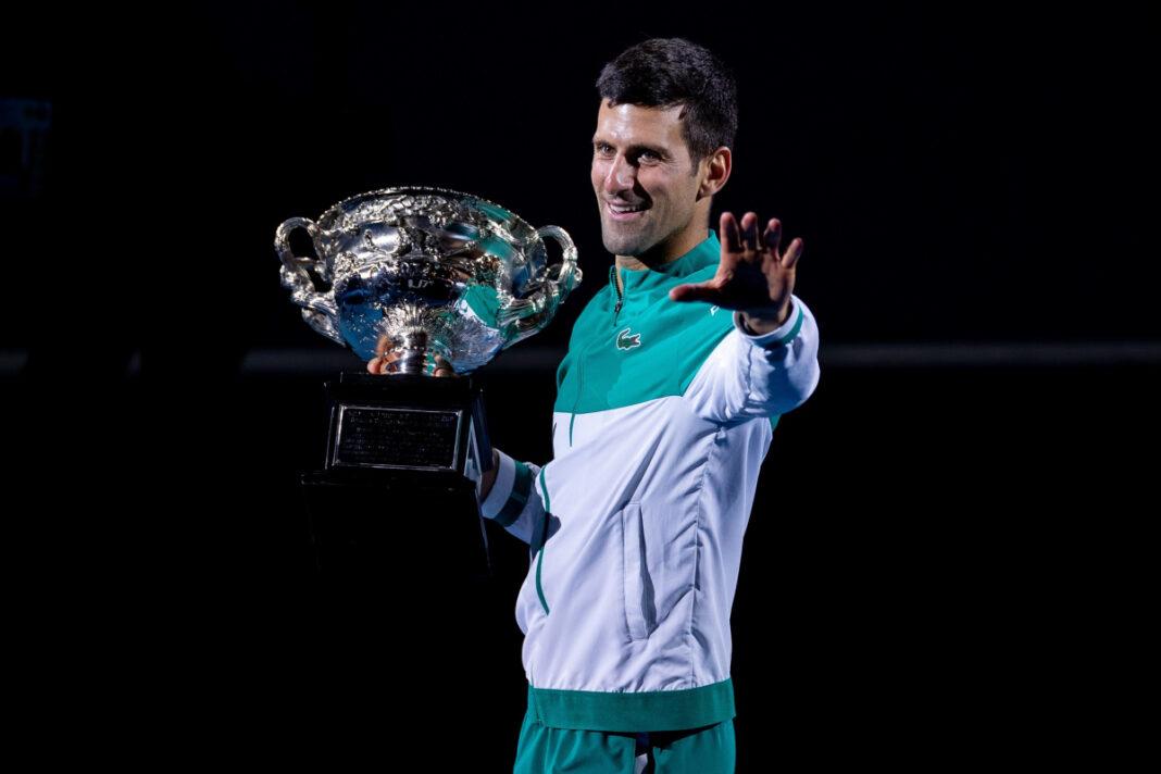 Novak Djokovic impulsado por el éxito de Rafa Nadal y Roger Federer mientras celebra otra victoria en el Abierto de Australia