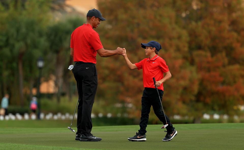 Woods compitió recientemente junto a su hijo Charlie antes de someterse a una cirugía de espalda.