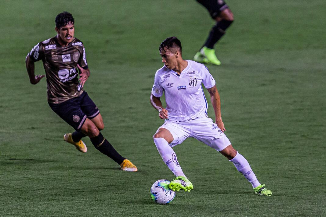 Napoli se une a Arsenal y Chelsea en la carrera por el Santos FC wonderkid