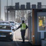 Eastern Austrian states join Vienna in extending Easter lockdown until