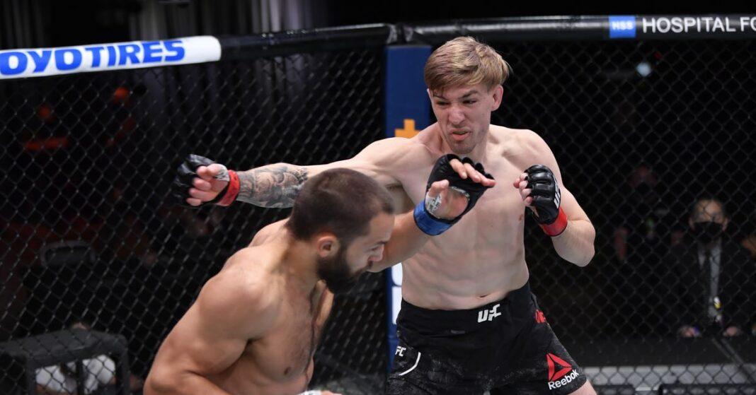 Kyle Daukaus vs.Aliaskhab Khizriev, partido de UFC programado para el 10 de abril