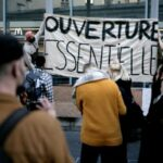 Protesters occupy French theatres to demand an end to closure
