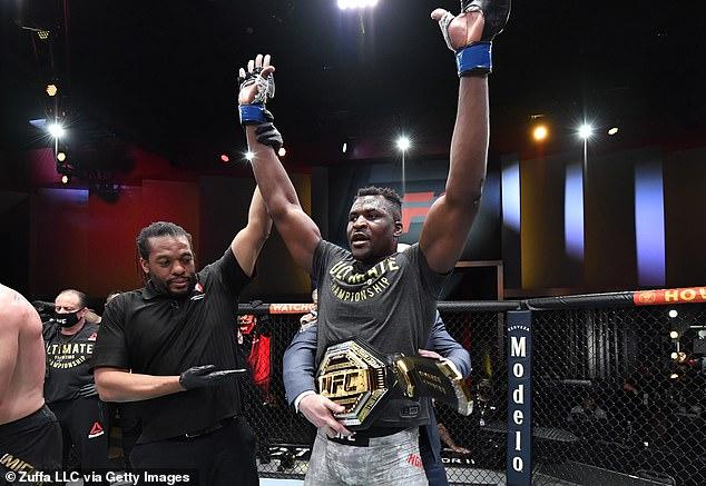 Francis Ngannou se ha convertido en el campeón de peso pesado de UFC.