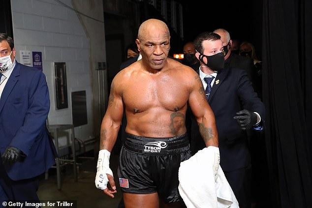 Mike Tyson luchó por un empate con Roy Jones Jr el año pasado y está ansioso por más exhibiciones