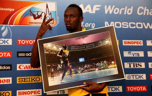 Bolt posa con la icónica imagen