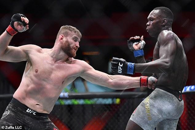Su reciente evento controvertido se desencadena por su primera derrota en UFC ante Jan Blawowic.