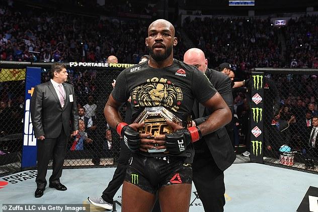 Jones refutó la afirmación del jefe de UFC, Dana White, de que pidió un día de pago de € 20 millones