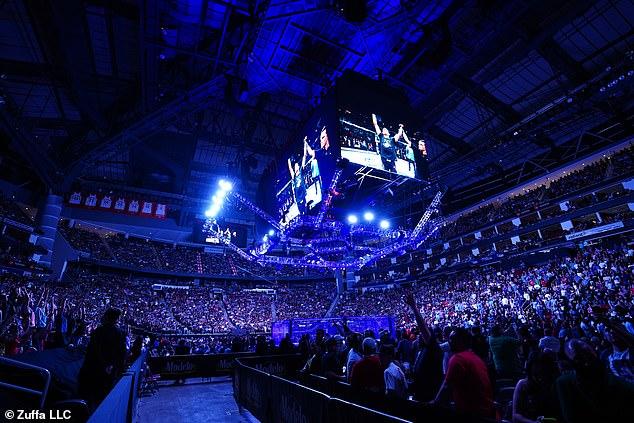 El evento de UFC 262 tuvo lugar el sábado por la noche frente a una multitud ruidosa en Houston.