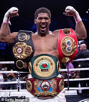 La pelea de Anthony Joshua (en la foto) con Tyson Fury ha sido puesta en duda debido a razones legales