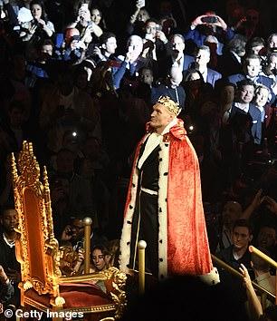 Fury estaba programado para encontrarse con su rival británico de peso pesado el 14 de agosto en Arabia Saudita.