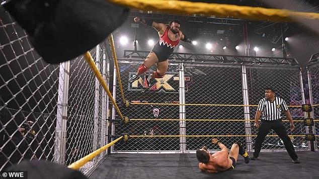 Larga historia: Bronson celebró su primera competencia de lucha independiente en solitario hace 14 años, y ahora aparece regularmente en el programa NXT de la WWE, su victoria también hizo historia. Ahora, es el tercer australiano (y el segundo australiano del sur) en ganar el cinturón del campeonato de la WWE.