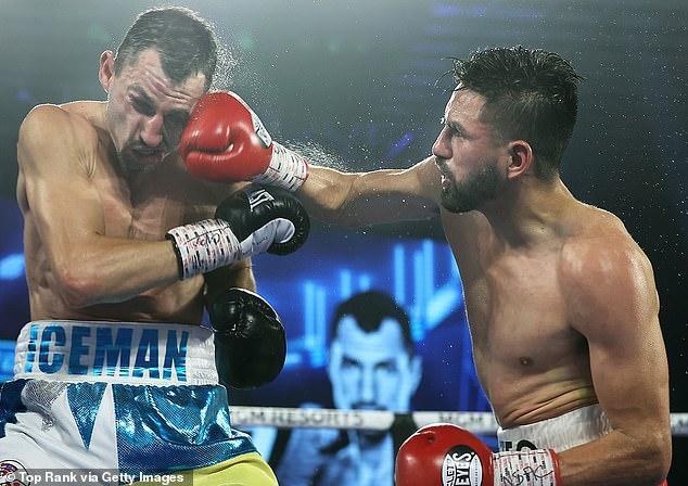 Ramírez (R) busca convertirse en el primer boxeador de origen mexicano en ostentar los cuatro títulos principales