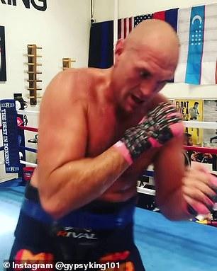Fury ha estado entrenando en los EE. UU. Durante el último mes y también está comenzando a intensificar los preparativos.