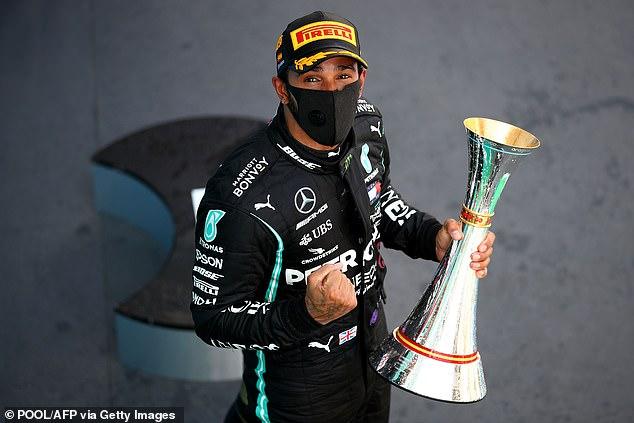 Lewis Hamilton venció a Max Verstappen en el Gran Premio de España en agosto de 2020