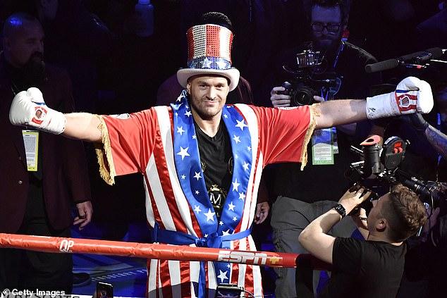 Tyson Fury insiste en que peleará con 'cualquiera que se le ponga enfrente' ya que su próximo oponente no parece claro