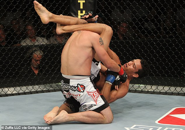 Charles Oliveira tiene la mayor cantidad de victorias por sumisión en la historia de UFC (14)