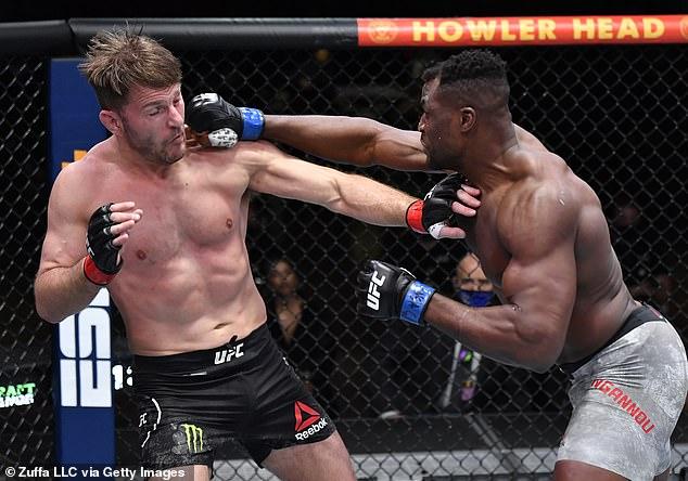 Se suponía que Jones enfrentaría al campeón de Francis Nagano contra Stipe Miosic este verano