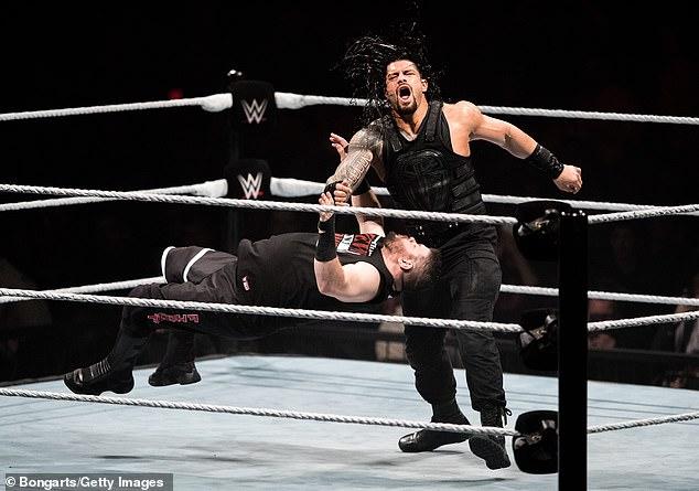 Retirada: después de que el luchador regresara a la WWE en febrero de 2019, llegaron buenas noticias después de que su leucemia se alivió después de la segunda batalla con la enfermedad.
