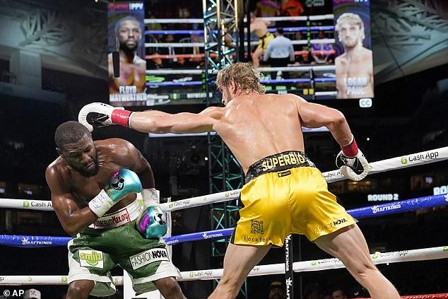 El gran boxeador, de 44 años, regresó al ring para enfrentarse al novato de YouTube, de 26 años, en Miami