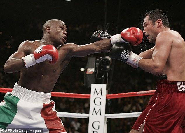 La leyenda del boxeo invicto Mayweather derrotó a Delahoya cuando se conocieron en 2007