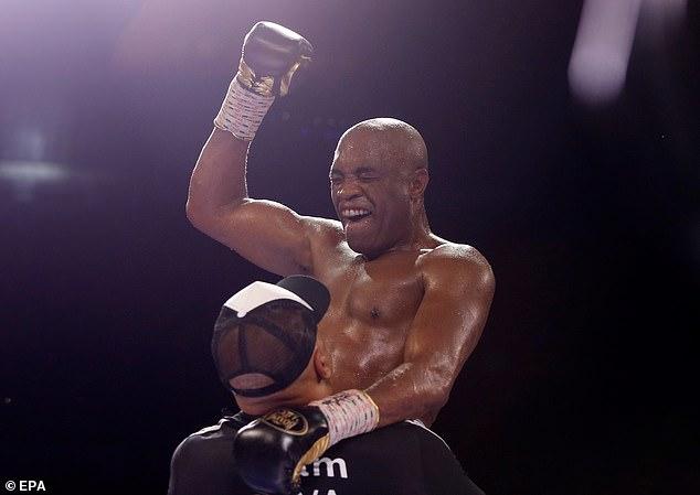 Anderson Silva pudo colaborar con los hermanos Paul después de derrotar a Julio Cesar Chavez Jr.