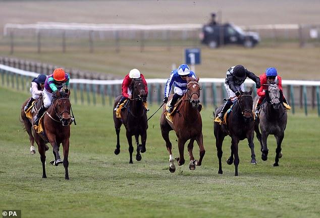 Lady Bowthorpe (izquierda) y Queen Power reanudan su rivalidad en Duke of Cambridge Stakes