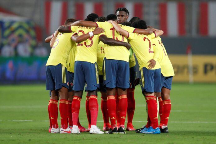 El as de la Juventus ayuda a iniciar un gol espectacular para que Colombia tome la delantera sobre Ecuador