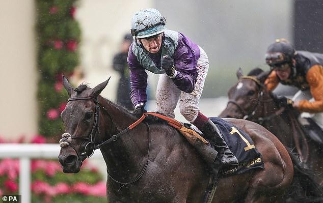Oisin Murphy ganó sin alcohol a Coronation Stakes en un Ascot empapado el viernes