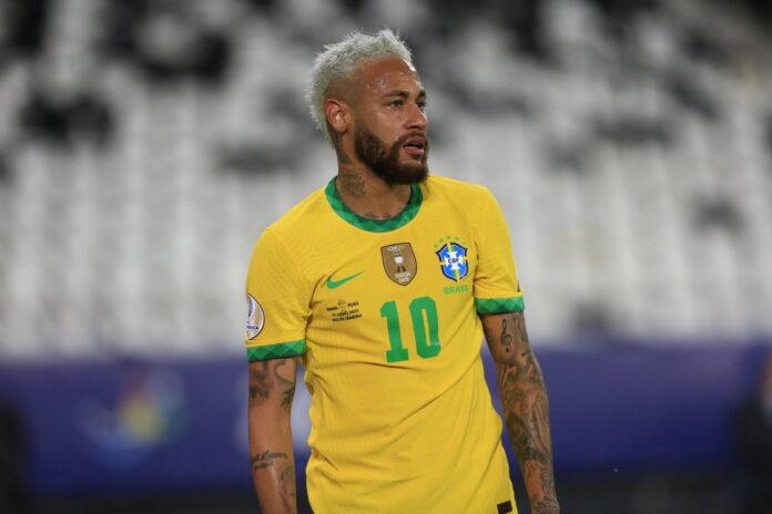 (Video) El VAR borra la llamada de penalti para Neymar de Brasil