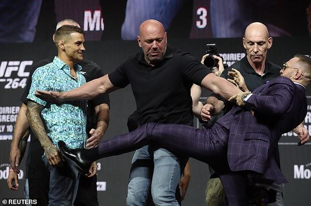 McGregor busca vengarse de la derrota de enero y ganar una oportunidad por el próximo título de peso ligero.