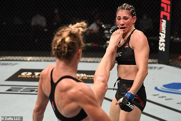 Se enfrentó a Irene Aldana, quien la última vez perdió ante el peso gallo y determinó a Holly Holm.
