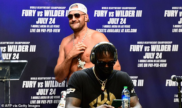 Tyson Fury tuvo que retirarse de su pelea del 24 de julio con Wilder después de dar positivo por Covid