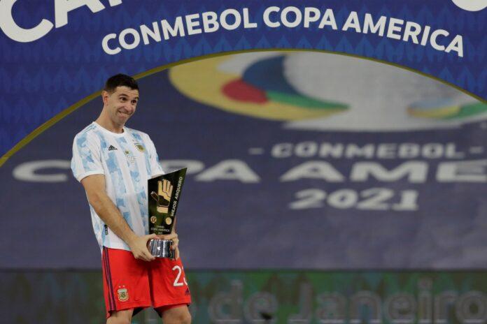 (Video) El arquero del Aston Villa Emiliano Martínez dedica la victoria final de la Copa América a todos los argentinos