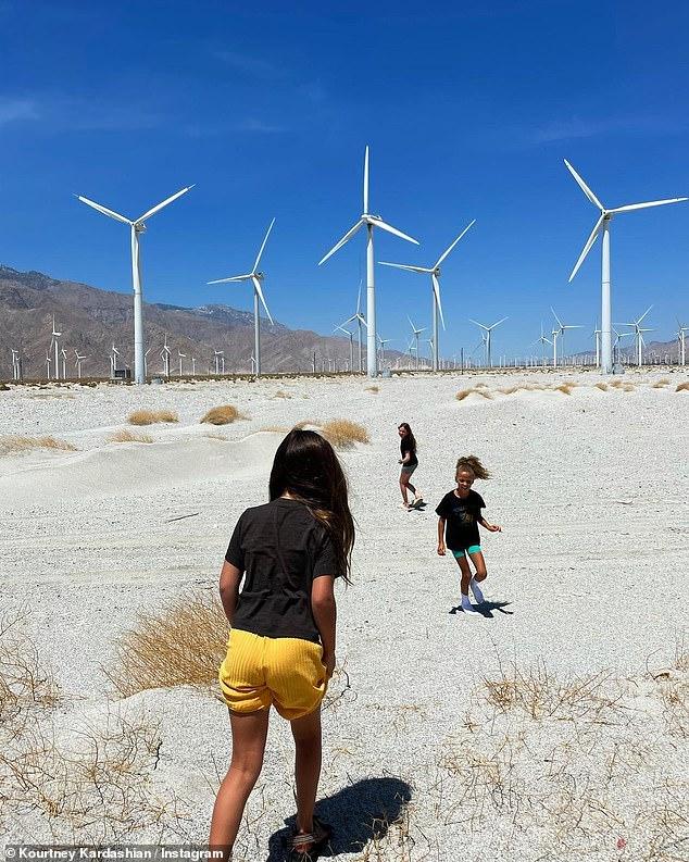 Turistas: Pero cuando hizo una parada en boxes en un famoso molino de viento en las afueras de Palm Springs, fue en el desierto para un bloguero de Push.