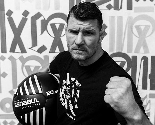 El primer campeón británico de UFC, Michael Bispin, refuta la decisión del entrenador McGregor